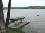 Boat rentals and docking available at King Birch Motor Lodge hotel.